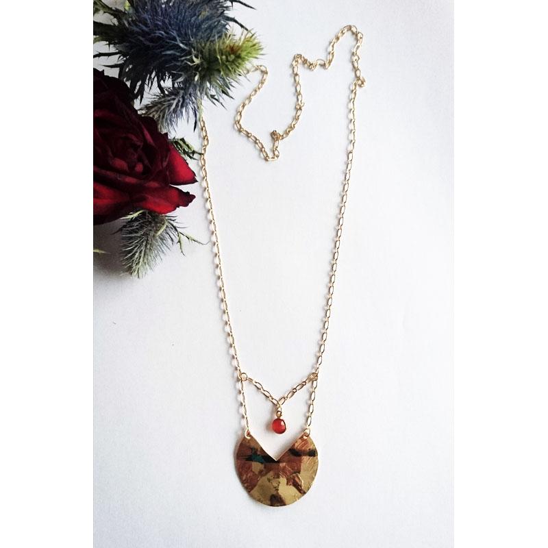 Sautoir avec pendentif plaqué or et onyx rouge vue d'ensemble