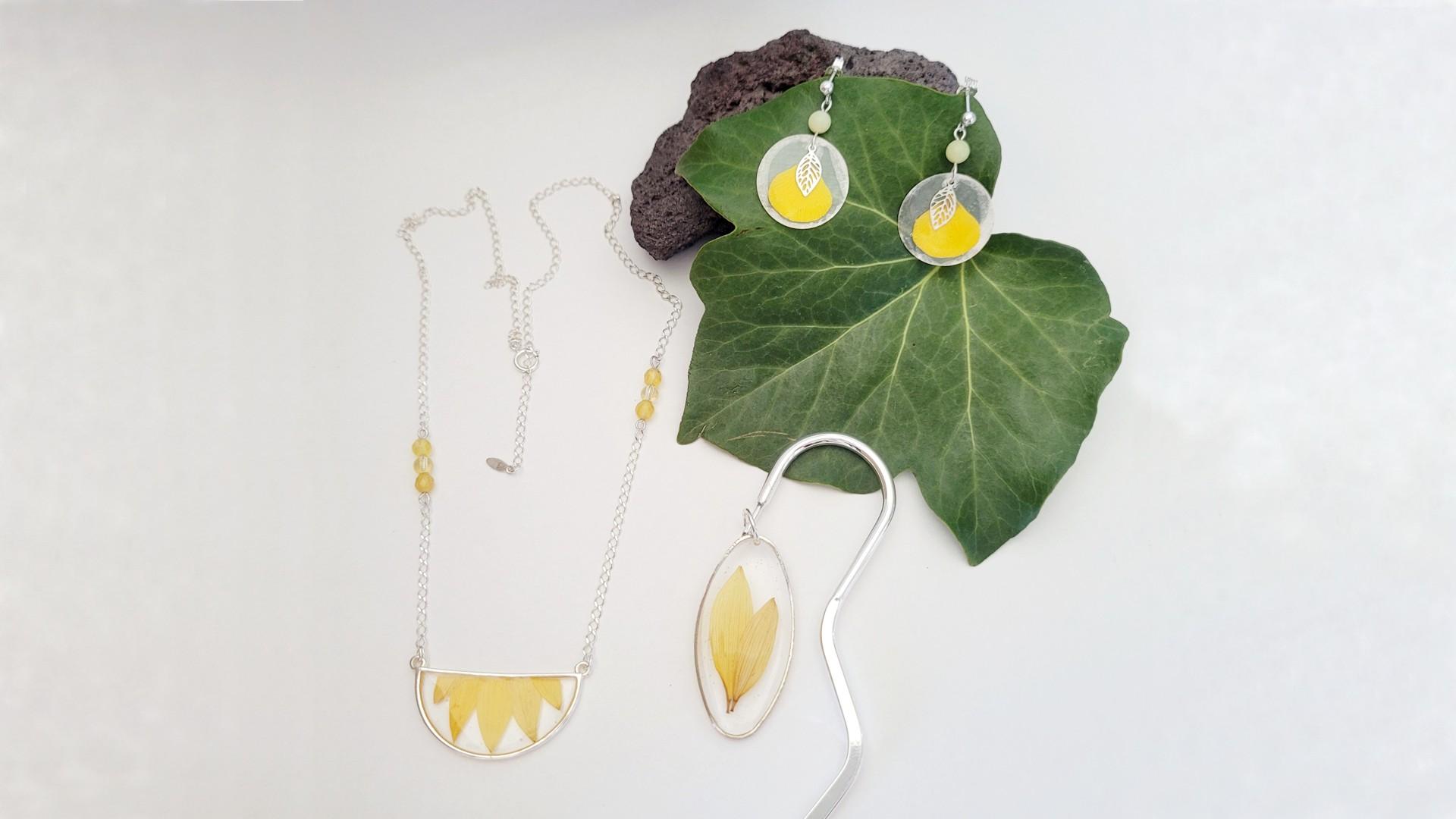 Collier marquepage boucle argent 925 argenté fleur tournesol bouton d'or résine citrine agathe teintée jaune bijou l.créative