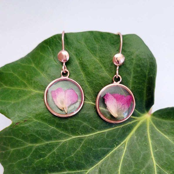 Boucles d'oreilles argent 925 doré à l'or fin avec pétales de rose vue d'ensemble