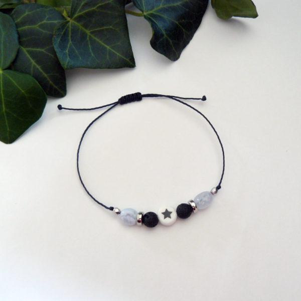 Bracelet ajustable avec calcédoine et pierre de lave étoile vue d'ensemble
