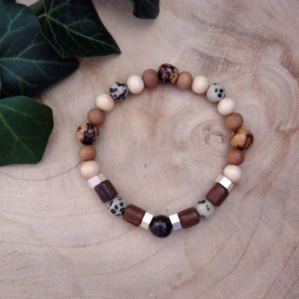 Bracelet avec perles en bois, graines d'acaï et jaspe léopard