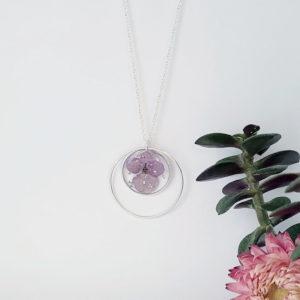 Sautoir argent 925 fleur hortensia mauve paillette metallisée