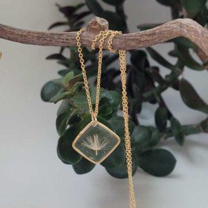 Collier gold filled or jaune avec base fleur gerbera