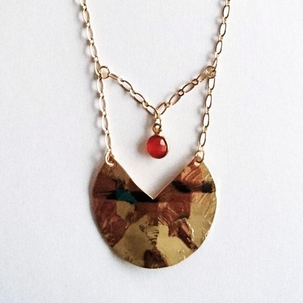 Sautoir avec pendentif plaqué or et onyx rouge
