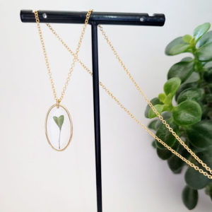 Collier gold filled avec siliques de plante capsella